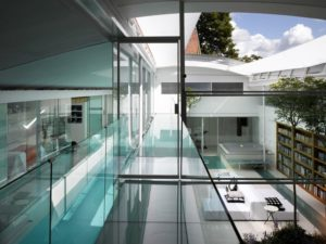 Unusual ways to use glass in the home